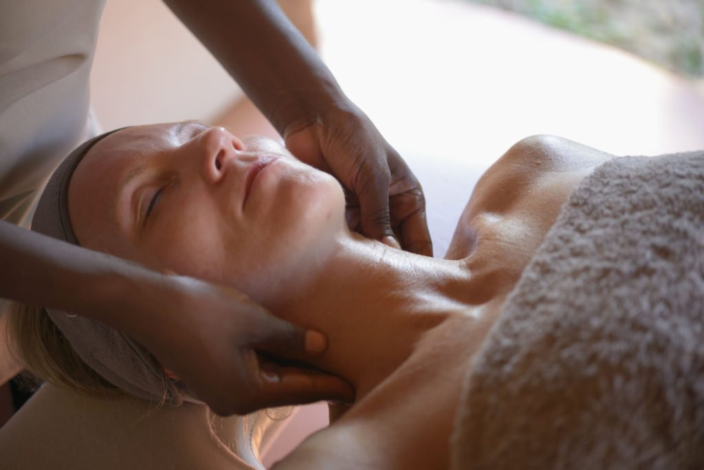 Breathe a sigh of relaxation when embarking on a visit to our on-site spa. Enjoy a variety of luxurious treatments in the natural tranquillity of Mother Nature. Jwapi means 'Ground Hornbill'. The spa's philosophy is about rejuvenating the mind, body and soul through a unique combination of African and Western massage techniques. Guests can soothe the tension of city life and leave feeling renewed.