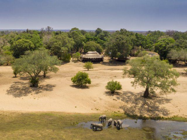 Mana Pools Safari Lodge